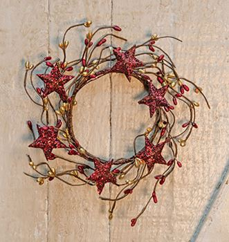 Picture of Pip Berry with Stars - Red & Gold Candle Ring / Wreath